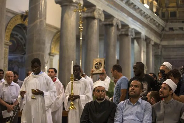 Image: Muslim call to go to Sunday Mass