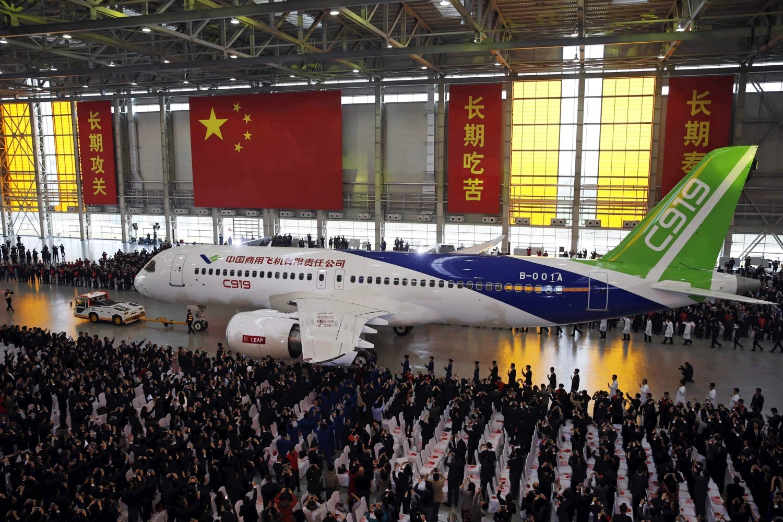 COMAC launches C919 inaugural flight