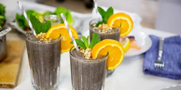 Sandra Lee's All-in-One Breakfast Smoothie