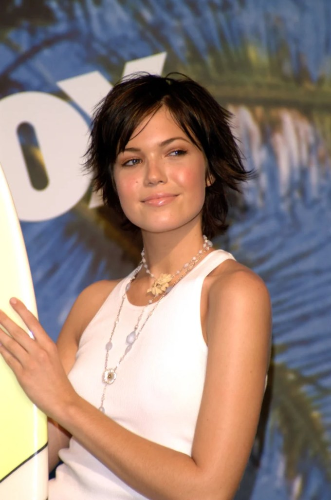 mandy moore's hair is in a bob now — see the pictures!