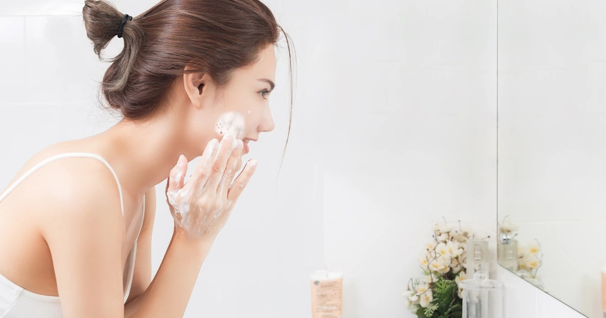 15 dermatologist-approved face washes for acne-prone skin
