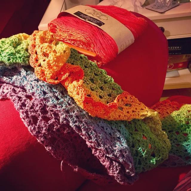 Snart r det en sjal Tror jag virkning crochet emiliasjalen