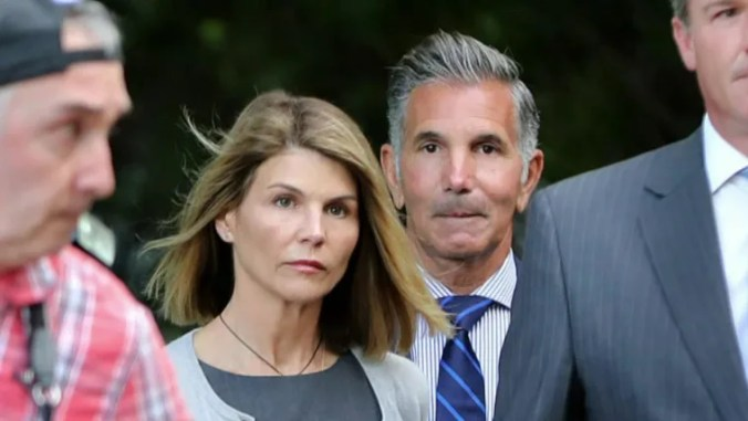 Lori Loughlin and Mossimo Giannulli vowed to battle their cases to ...