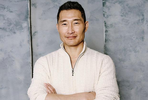 हवाई पांच-एक्टर डैनियल डे किम ने कोरोनोवायरस के लिए सकारात्मक परीक्षण किया, एशियाइयों के खिलाफ नस्लवाद का आह्वान किया
