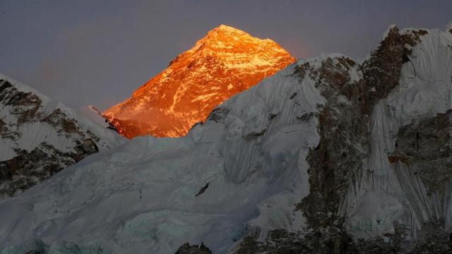 Mount Everest's melting glaciers uncover bodies of dead climbers