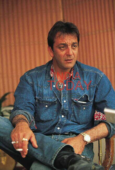 Image result for sanjay dutt smoking