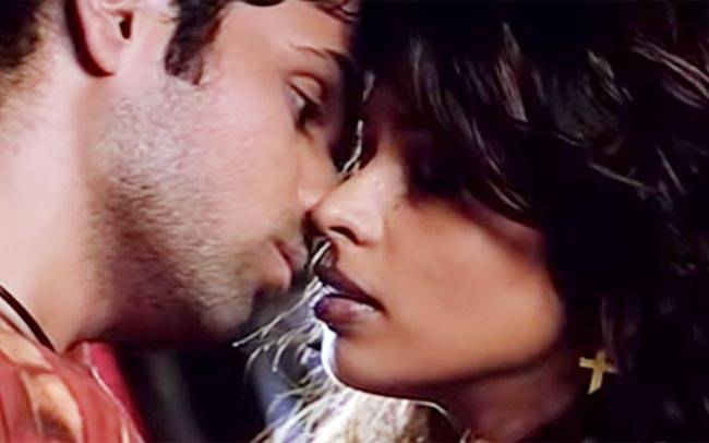 Kissing Video Of Imran Hasmi
