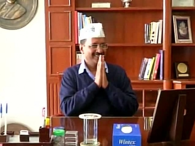 Arvind Kejriwal takes charge. Photo: ANI.