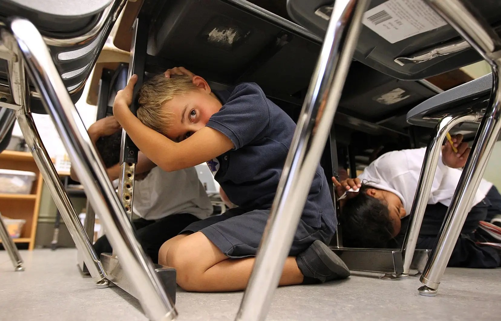 Non Aux Exercices De Confinement Dans Les Ecoles De La