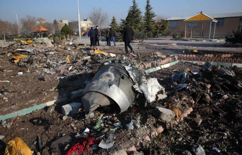 Un rapport initial d'enquêteurs iraniens dévoilé jeudi affirme que l'équipage du Boeing 737-800 n'a pas utilisé la radio pour lancer un appel à l'aide.