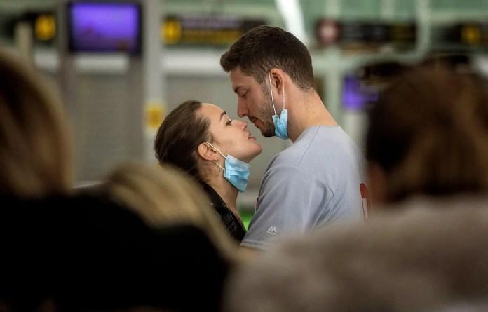 Coronavirus: Sexe et amour en temps de pandémie | Le Devoir