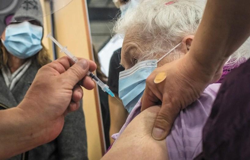 Débuts difficiles de l'inscription au vaccin pour les aînés