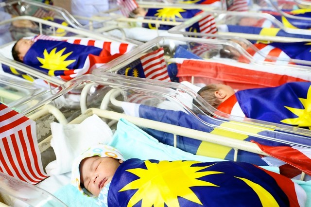 Female babies outnumbered male babies with 55,881 births as compared to male babies at 55,692 births in the second quarter of 2021. — Bernama pic