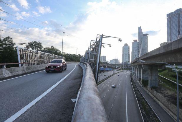 2021 年 6 月 1 日吉隆坡联邦公路上的交通概况。 — 图片来自 Yusof Mat Isa