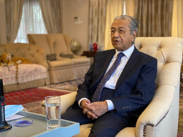Former Prime Minister Tun Dr Mahathir Mohamad has reminded the world to continue supporting the Palestinians. — Picture courtesy of Tun Dr Mahathir Mohamad's Office