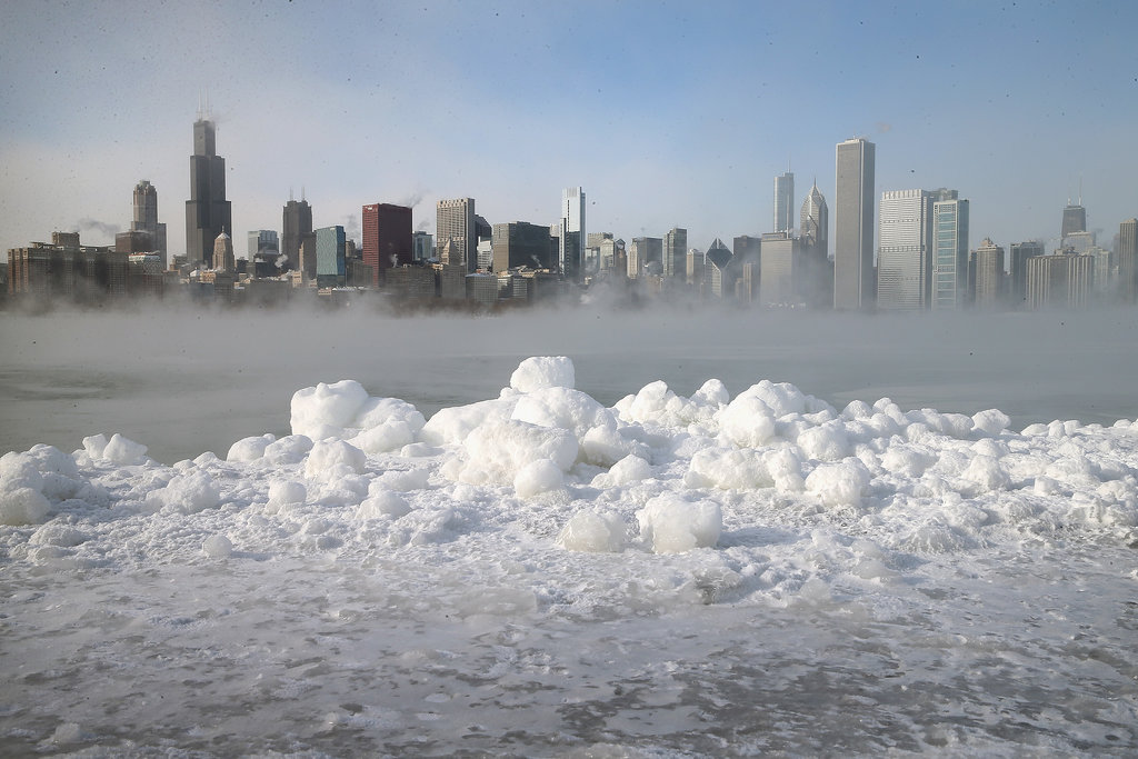https://i2.wp.com/media2.onsugar.com/files/2014/01/06/026/n/1922398/20eb2e118919f74b_461021093.jpg.xxxlarge/i/Snow-covered-shores-Lake-Michigan.jpg