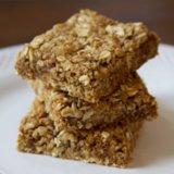 Gluten-Free Oatmeal Protein Bars