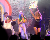 Queste foto di NSFW di Pamela Anderson in scena con di Miley Cyrus un bisogno topless realmente nessunintroduzione