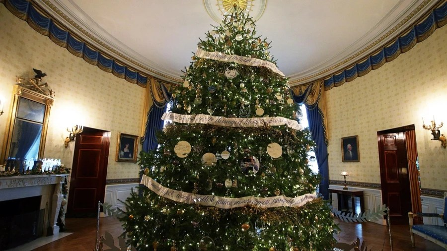 White House Christmas Display 2016