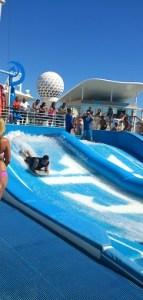Man kan surfa ombord