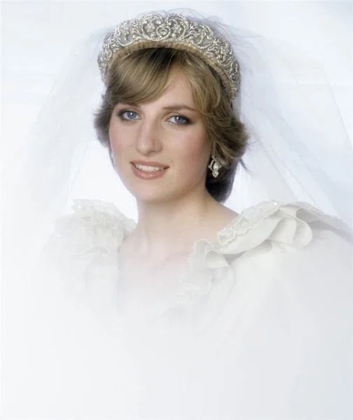 Princess Diana in her wedding gown