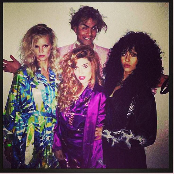 Jessica Alba channeled Cher's character from The Witches of Eastwick.<br /><br /> Source: Instagram user jessicaalba<br /><br />