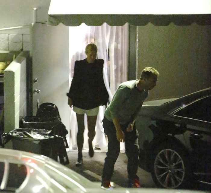 Gwyneth and Chris Sneak Out on a Dinner Date