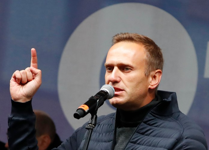 Russian opposition leader Alexei Navalny fighting for his life ...