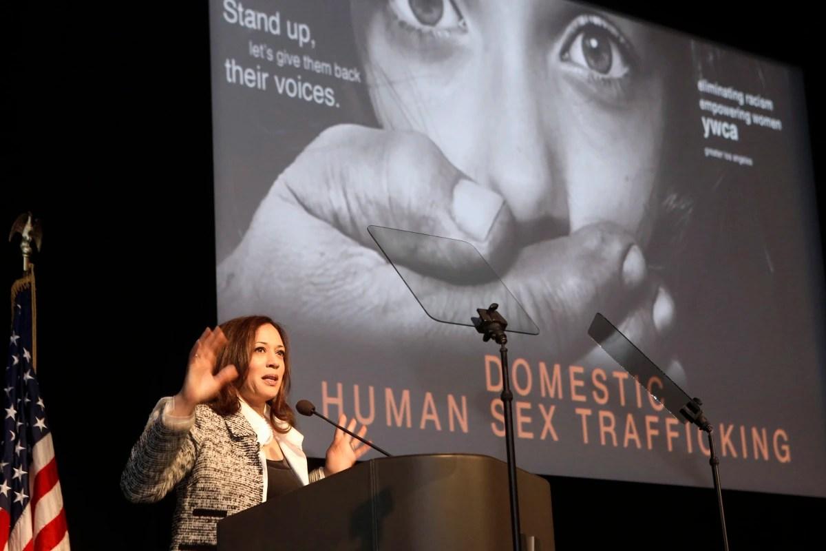https://i2.wp.com/media3.s-nbcnews.com/j/newscms/2016_52/1849446/161230-california-prostituion-forum-919a_475789e92b640aa39bdc69616124a072.nbcnews-fp-1200-800.jpg