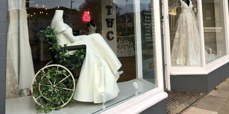 Bridal Shop Praised For Wheelchair-using Mannequin In