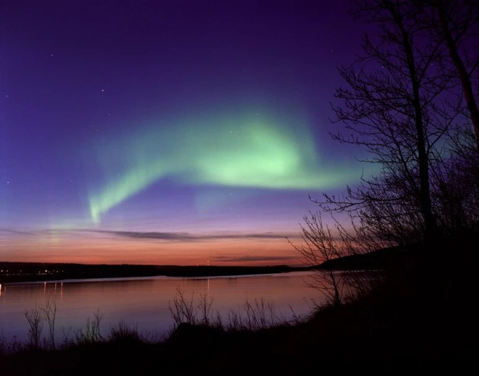 Best Time See Northern Lights Fort Mcmurray
