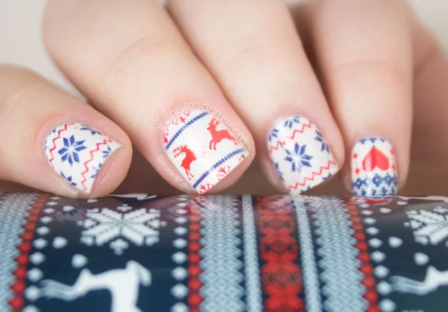 16 Creative And Easy Diy Christmas Nail Art Ideas Tutorials