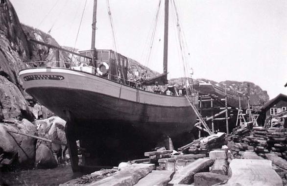 Lord Nelson på Hälleviksstrands varv 1939