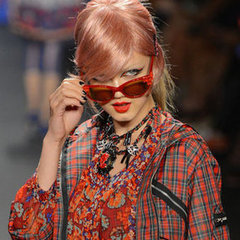 https://i2.wp.com/media4.onsugar.com/files/2012/09/37/4/498/4981322/8f57aa7c3588e5ec_anna.larger/i/Pictures-Review-Anna-Sui-Spring-Summer-New-York-Fashion-Week-Runway-Show.jpg