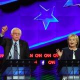 Guardi Hillary Clinton e le sabbiatrici di Bernie scontrarsi sopra controllo delle armi