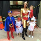 Kourtney Kardashian lancia Halloween con la sua squadra eccellente adorabile