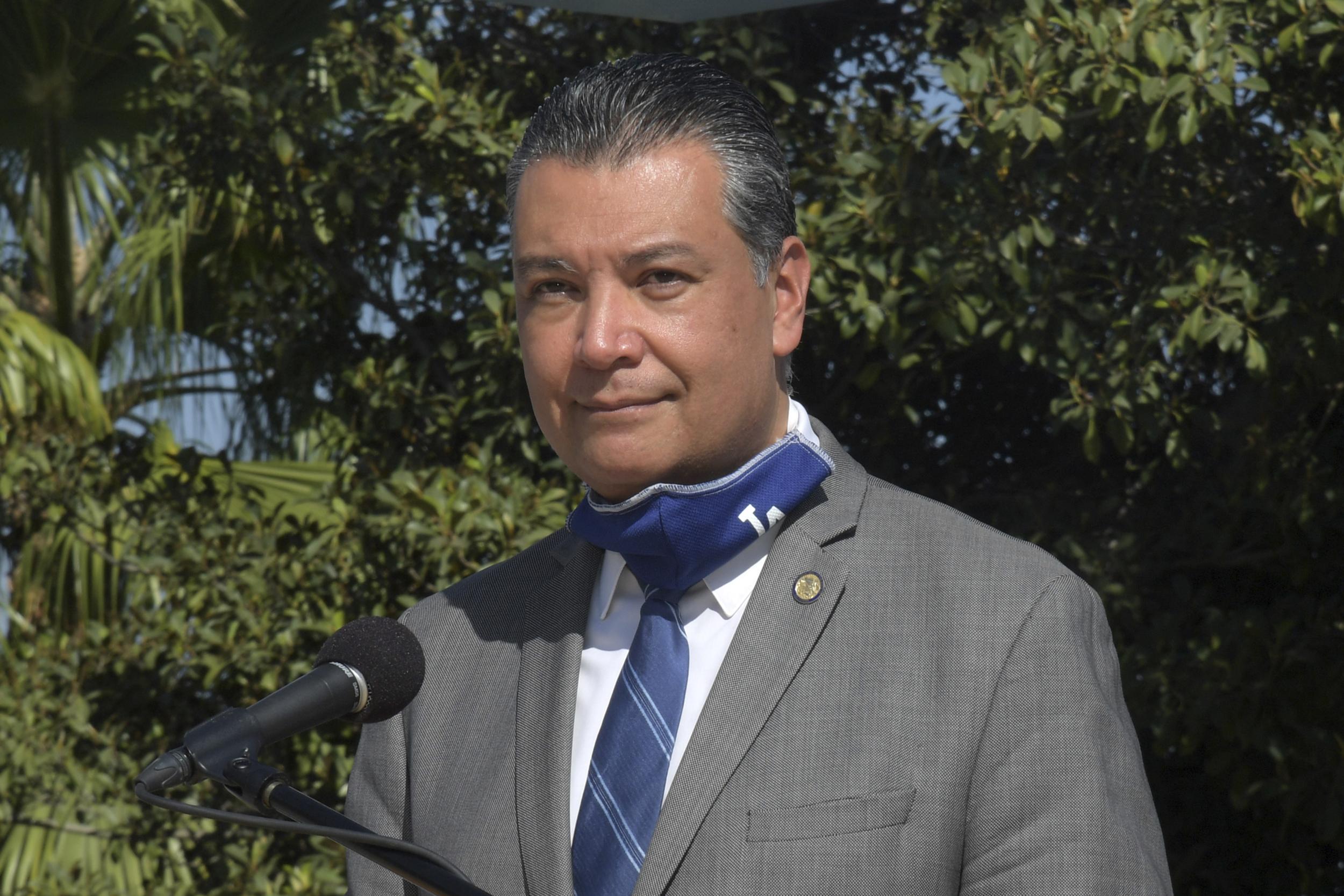 Gov. Newsom picks Alex Padilla to replace Kamala Harris as California senator