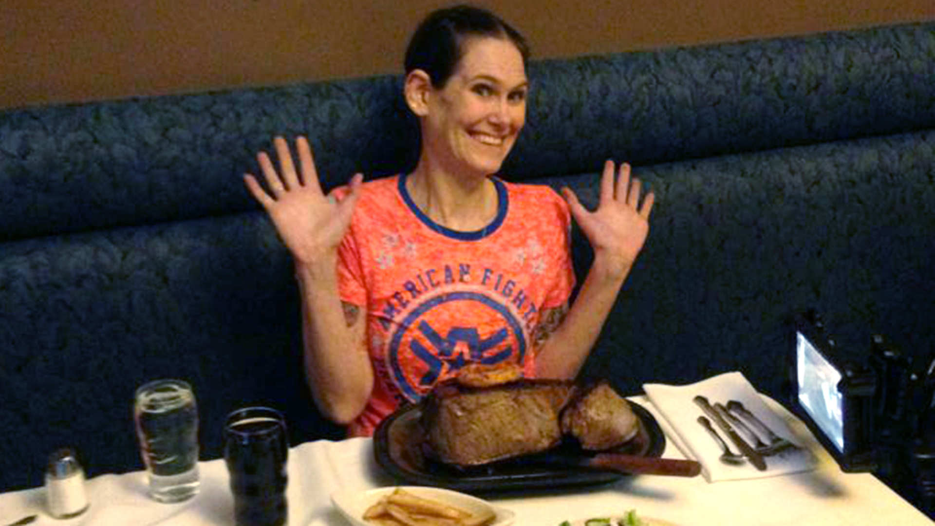Mesmerizing Mom Downs 72 Ounce Steak In Under 3 Minutes