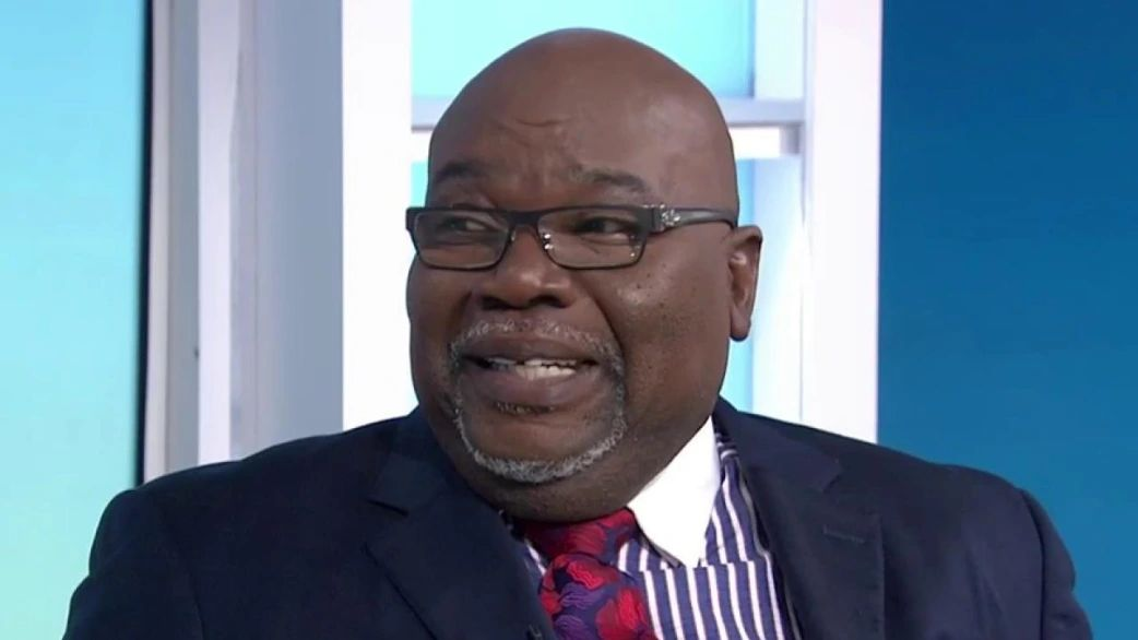 Image result for t.d. jakes on the today show with hoda kotb