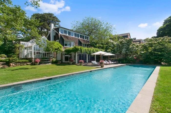 Christie Brinkley Is Selling Her Hamptons Estate See