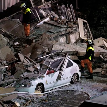 Image: At leat two dead, nearly 200 injured after Magnitude 6 quake hit Hualien, eastern Taiwan