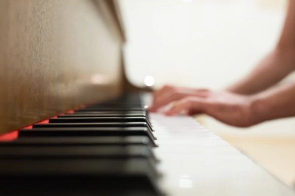 How learning piano can be easy, personally paced, and affordable