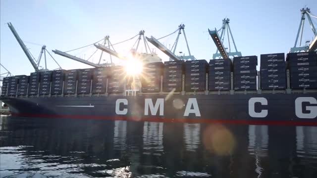 证明实力 洛杉矶港花25万请来巨船首航