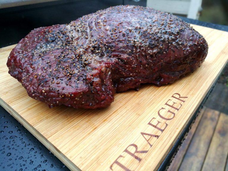 nesten i mål! La kjøttet hvile noen minutter etter at du tar det av grillen.