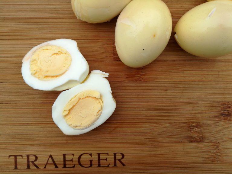 Perfekte egg med nydelig røyksmak! Bruk dem som du ville brukt hardkokte egg!