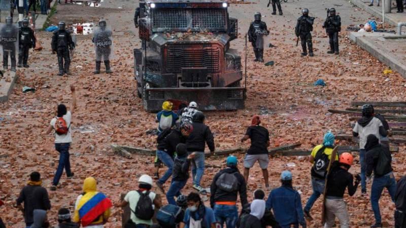 Colombie : au moins 10 morts lors des manifestations vendredi à Cali (autorités locales)
