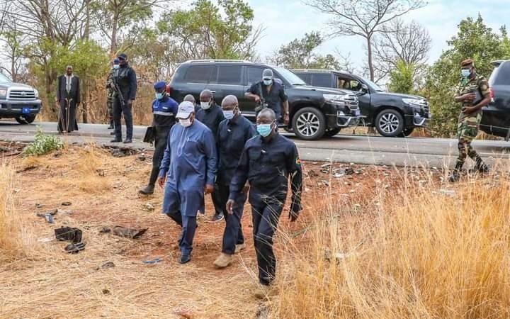 Accident meurtrier de journalistes/Cortège présidentiel : le chef de l'État prend en charge les blessés