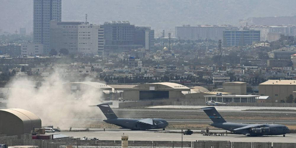 Afghanistan : l'EI-K revendique une attaque aux roquettes contre l'aéroport de Kaboul