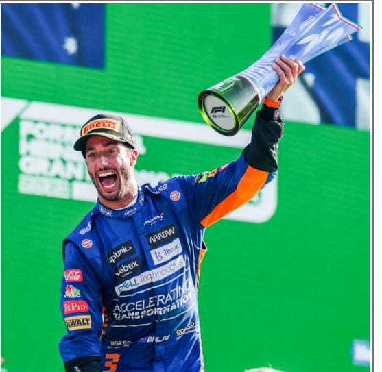 Grand Prix d'Italie : Accrochage entre Hamilton et Verstappen, doublé pour l'écurie McLaren