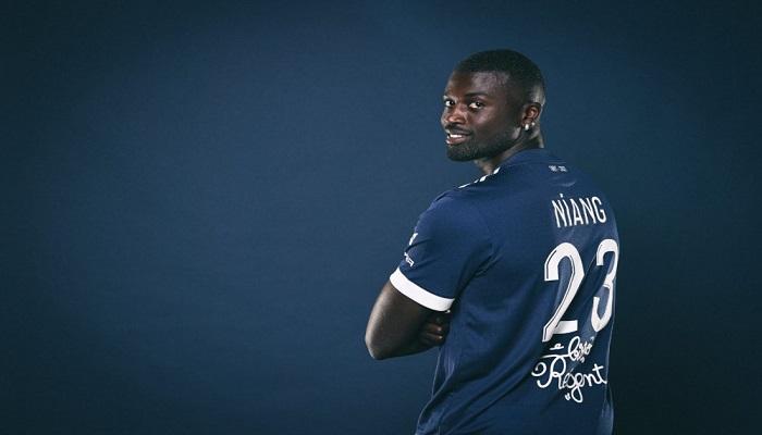 Mbaye Niang baisse son salaire de 164 millions à 52 millions pour rejoindre Bordeaux